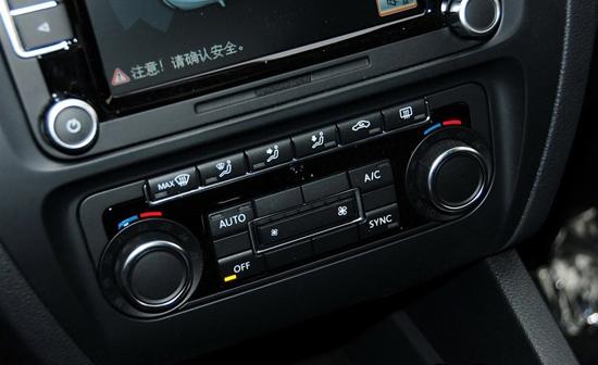 速腾自动空调左边旋钮可以调节温度