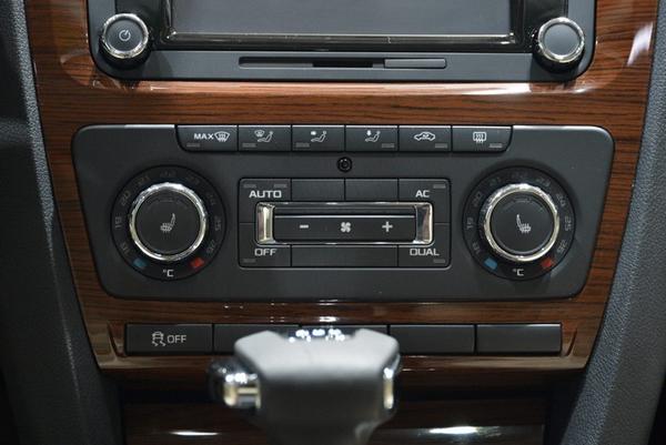明锐部分车型配备双温区自动空调&前排座椅三级加热