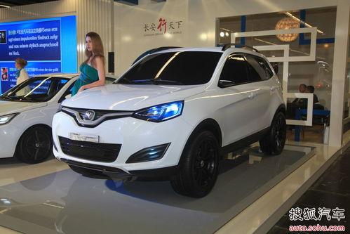 法兰克福车展上长安展示的SUV车型】-曝长安SUV测试照 代号E301高清图片
